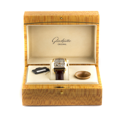 Швейцарские часы Glashutte Original  Karree Perpetual Calendar